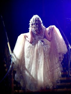 Someday, I'm going to wear a dress like this...I would gladly take several of Taylor Swift's dresses :)