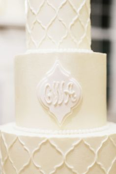 Cake by PPHG pastry chef Jessica Grossman at a William Aiken House Vow Renewal | Real wedding feature in Charleston Weddings Magazine | Photo by Marni Rothschild