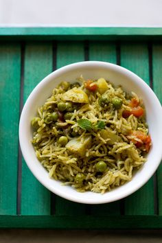 mint rice or mint pulao recipe – fragrant and spicy pulao made with fresh mint leaves.