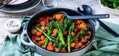 Kjøp Alt-i-ett-panne med pølse, tomater og brokkolini på Kolonial. Couscous, Chipotle, Kung Pao Chicken, Ethnic Recipes, Food, Eten, Meals, Diet