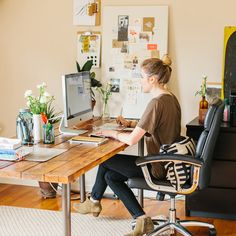 Home Office // Desk // Apartment // Interior Design // Home Decor