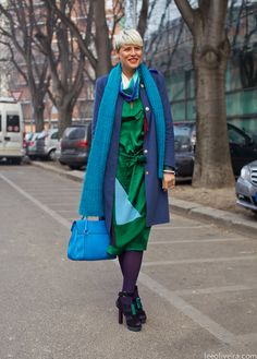Elisa Nalin on the streets of Milan #fashion #streetstyle blue green