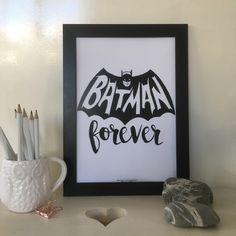 Blij om mijn nieuwste toevoeging aan mijn #etsy shop te kunnen delen: Batman Forever | INSTANT DOWNLOAD | Printbare Poster Art Print Quotes Monochrome | Diverse afmetingen #kunst #print #digitaal #woondecoratie #muurdecoratie #poster #quote #digitaledownload #instantdownload