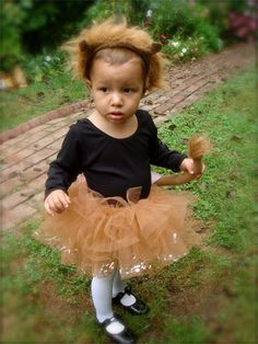 So doing this for my daughter and my halloween costumes!!! Super girly and cute way to make a lion costume!!!