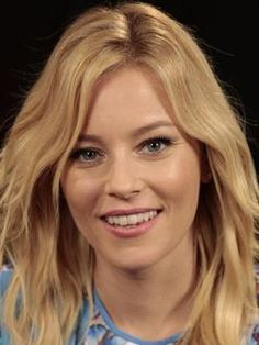 Elizabeth Banks Actrice américaine Elizabeth Banks, Celebrity Travel, Celebrity Style, Beautiful Smile, Beautiful Women, Victoria Secret Fashion, Irina Shayk, Wedding Art, Celebs