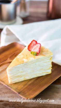 I made crepe cake before, but I always want to make the one that the crepe layer is very thin and you can put more than 20 layers of crep. Angle Food Cake Recipes, Easy Cake Recipes, Sweet Recipes, Dessert Recipes, Sweet Desserts, Just Desserts, Crape Cake, Salad Cake, Easy Vanilla Cake Recipe
