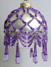 Simply Seed Beads Swag Ornament by Deb Moffett-Hall aka Patterns to Bead