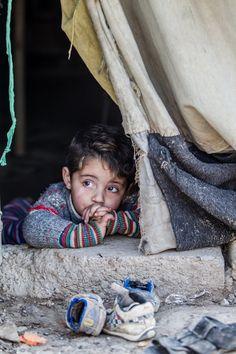 La crisi Siria ha imperversato per 5 anni e la vita dei bambini viene  modellata con la violenza