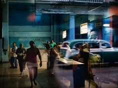 Butcher Shop, Havana Photograph by Paolo Pellegrin This Month in Photo of the Day: National Geographic Magazine Features Hunting down groceries in poorly stocked markets, like this butcher shop in central Havana, is a daily challenge. National Geographic Photography, National Geographic Photos, Magnum Photos, Color Photography, Street Photography, Travel Photography, Cuba Pictures, Cuba Street, Havana