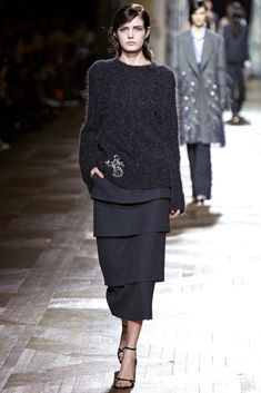 Dries Van Noten Fall 2013 Ready-to-Wear collection, runway looks, beauty, models, and reviews.