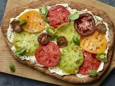 Best Tomato Recipes - It's here again, the fabled season when the sweet, acidic tang of local tomatoes makes every meal so much better. Try these recipes before the moment passes. Vegetable Dishes, Vegetable Recipes, Fresco, How To Make Tomato Sauce, Pickled Cherries, Roasted Tomato Sauce, Fresh Tomato Recipes, Veggie Dinner, Homemade Pickles