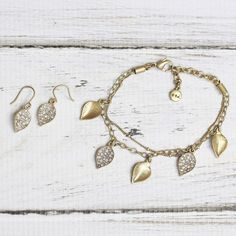 """Say """"I do"""" to textured leaves in light-catching pavé #chloeandisabel www.chloeandisabel.com/boutique/kellyflowers"""