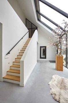 Shop Interior Design, Interior Design Living Room, Modern Stair Railing, Village House Design, House Extension Design, Bungalow Renovation, House Stairs, Modern Architecture House, Concept Home