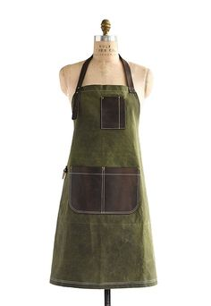 "From the Bailey Utility collection, inspired by rugged American tradition. The ""Peyton"" style is made of waxed heavyweight cotton canvas with a distinct ""grid"" pattern, and trimmed with heavy-duty saddle leather. Our classic bib style apron is roomy enough for both men & women. Available in four colors: Olive (featured here); Jet; Slate; and Blaze […]"