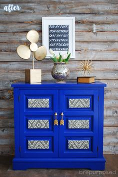Blue Cabinet with Arrow Pulls Makeover | betterafter.net Major love for arrow pulls!