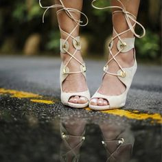 Around the World #SanteWorld: Shoes Day in L.A. (via: @kkarmalove) #SanteBloggersSpot Shop NOW: www.santeshoes.com