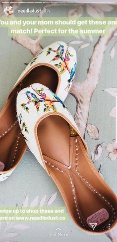 Love the point shoe shape Pretty Shoes, Cute Shoes, Me Too Shoes, Shoe Boots, Shoes Heels, Shoe Bag, Indian Shoes, Shoe Closet, Vintage Shoes