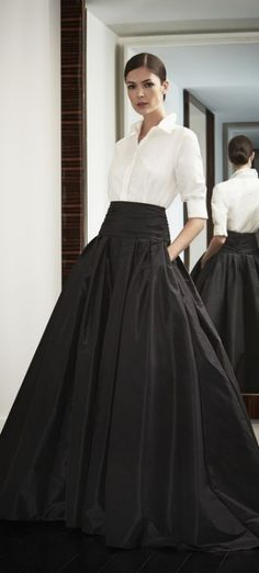 Look to Love: Beautiful Ball Skirts {The Most Classic Way to Wear a Ball Skirt by Carolina Herrera, of Course! Look Fashion, High Fashion, Womens Fashion, Fashion Clothes, Formal Fashion, Feminine Fashion, Fashion Outfits, Classic Fashion, Style Clothes