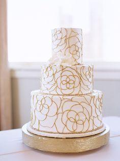 Wedding cake idea; photo: Stephanie Brazzle Photography