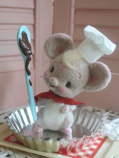 Needle Felted Little Baker Mouse. This is just too much cuteness for a little mouse. I love the spoon prop with the chocolate on it and the mouse's chef's hat is really a nice touch.