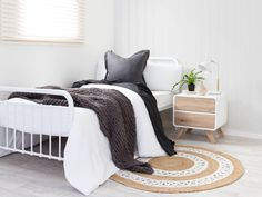Make a statement with the Mocka Sonata Bed – Single - White. Featuring a metal frame, this kids bed gives classic, vintage vibes but contemporary stye. Furniture, Single Bedroom, Mocka Furniture, Bedroom Furnishings, Home Bedroom, Bedroom Design Diy, Bedroom Furniture, White Metal Bed, Single Bed