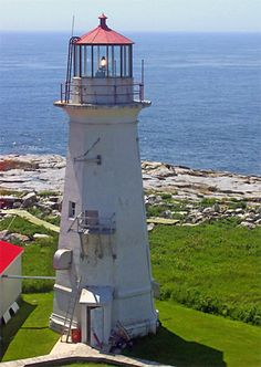 Photographs, history, travel instructions, and GPS coordinates for Machias Seal Island Lighthouse. Places Around The World, Around The Worlds, Maine New England, Lighthouse Lighting, Maine Lighthouses, Beacon Of Light, Water Tower, Beautiful Landscapes, Places To Go