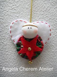 Flor do Céu's favorite photos and videos Christmas Sewing, Christmas Love, Christmas Items, Christmas Projects, Crochet Christmas, Christmas Angel Ornaments, Felt Christmas Decorations, Felt Ornaments, Crochet Ornaments