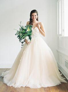 Soft peach dress: http://www.stylemepretty.com/virginia-weddings/charlottesville/2015/05/16/elegant-romantic-southern-bridal-session/ | Photography: Michael & Carina - http://www.michaelandcarina.com/