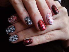 Evening mani using nail stickers :: one1lady.com :: #nail #nails #nailart #manicure