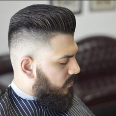 These hairstyles for fat guys has added length, gives dimension and angle to the jawline.Choosing a hairstyle for fat guys depends on the facial features. Fat Face Haircuts, Hairstyles For Fat Faces, Undercut Hairstyles, Cool Haircuts, Haircuts For Men, Cool Hairstyles, World Trends, Face Men, Jawline