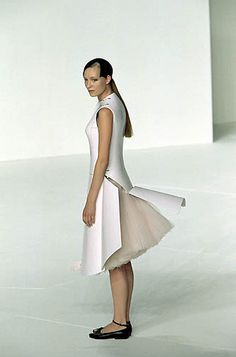 Hussein Chalayan - Spring/Summer 2000 by victorismaelsoto, via Flickr