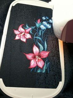 lily In black - Outback43 Album - Gallery - Machine embroidery forum