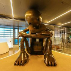 Hamad International Airport #Doha #Qatar The sculptures took around 3 years to complete by the #Polish sculptor @3bduiaziz