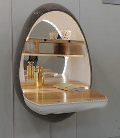 @monpetitpoids 💛 @bbdor  Le doux Cocon scriban luxueux en composite de lin, plateau en frêne olivier et son miroir rétro éclairé accompagné du petit poids de Simon doré à l'or fin!!! Dernière journée à @maisonetobjet ... #merci #bbdor #monpetitpoids #cocon #cocoon #baby #luxe #luxury #exposition #exhibition #maisonetobjet #mo2016 #resine #composite #laiton #brass #or #gold #gift #gifts #giftideas