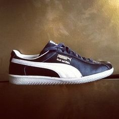84bfe188db47 VINTAGE PUMA BLACK AND WHITE TRAINERS
