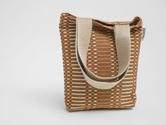 Perfect bag for a bottle or two of the bubbly Drip Dry, Graphic Patterns, Louis Vuitton Damier, Bag Accessories, Champagne, Bubbles, Shoulder Bag, Bottle, Brown