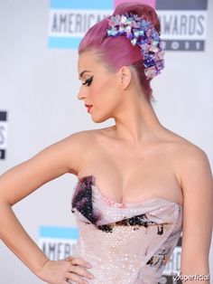 Katy Perry Cleavage American Music Awards