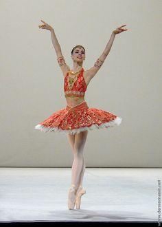 ✯ Artist Unknown ✯ #Ballet_beautie #sur_les_pointes *Ballet_beautie, sur les pointes !*