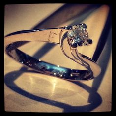 RING WHITE GOLD WITH BRILLIANT AND ENGRAVING