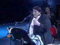 MUSIC: Mercedes Sosa - Todo cambia (Everything changes). Pinner sez: Just fabulous. I saw her very last public appearance before she died (in Such a privilege. Folk Music Songs, Art Music, Mercedes Sosa, Portuguese Language, South American Countries, Everything Changes, Types Of Music, My Favorite Music, Literature