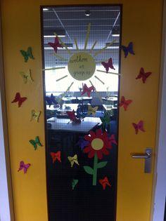 Start van een nieuw schooljaar | alle namen van de kinderen op deur | vlinders | welkom in groep 4a! | New Class, Education, Studying, Onderwijs, Learning