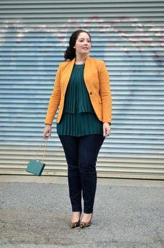 Don't love the color of the blazer but like the outfit otherwise!