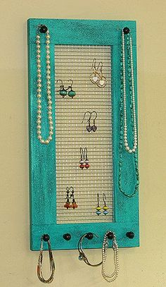 saw something similar at the market and want them badly - jewelry charms, glass bead jewelry, gemstone jewelry *ad