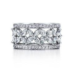 Victoria Platinbandring mit Diamanten.