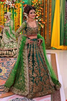 Style the look with a ring and a pair of earrings. Pakistani Bridal Couture, Designer Bridal Lehenga, Pakistani Bridal Dresses, Pakistani Outfits, Indian Bridal, Indian Dresses, Mehendi Outfits, Bridal Outfits, Lehenga Designs