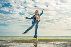 A little #ballet for this Sunday morning. Shot on #Brigton #beach with @tori_bew #Zcreators #createyourlight #appicoftheweek #JustGoShoot #PicOfTheDay #WexPhoto #PhotoOfTheDay @uknikon #ThePhotoHour #FotoRshot #InstaGood #InstaPhoto #Photography #photographer #model #photoshoot #outdoorshoot #locationshoot #dance #dancephotography #dancing #dancephotographer #dancer #dancephotoshoot #dancemodel #instagramfordancers #pointeshoes #pointe #ballerina #balletdancer #balletphotography Photography Workshops, Creative Photography, Outdoor Shoot, Uk Europe, Creative Costumes, Ballet Photography, Ballet Dancers, Sunday Morning, Holiday Travel