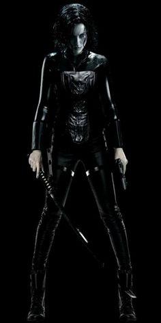 """Kate Beckinsale as vampire Selene in """"Underworld"""" Underworld Selene, Underworld Movies, Underworld Vampire, Underworld Kate Beckinsale, Films Cinema, Vampires And Werewolves, Badass Women, Film Serie, Vampire Academy"""