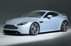 Dream Car! Aston Martin Vantage V12