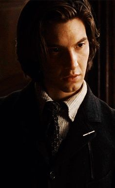 Under the cut are xxx small/medium gifs of Ben Barnes with long hair. Dorian Gray, Sirus Black, Ben Chaplin, Ben Barnes Sirius, Young Sirius Black, Gellert Grindelwald, All The Young Dudes, Lily Evans, Marauders Era