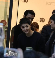 SJK at top10 autograph session at Shanghai, China. ...he is always so mugwiyowo.!!!!